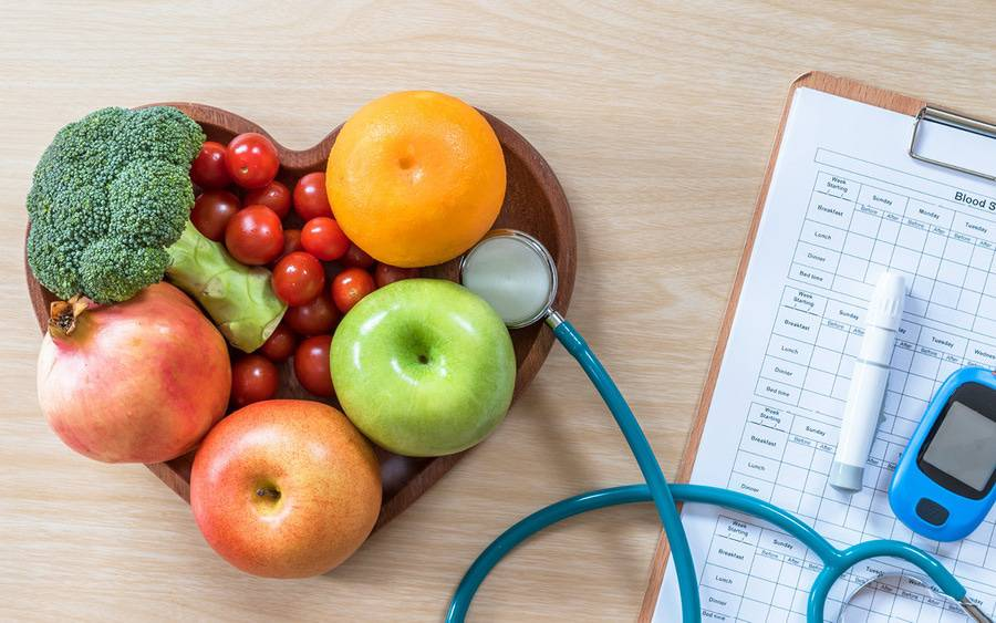Diet for people with prediabetes should include plenty of vegetables and fruits and doctor care.
