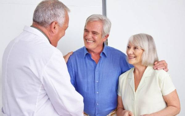 PR Encinitas community relations-generic Doctor and Senior Patients 600×375