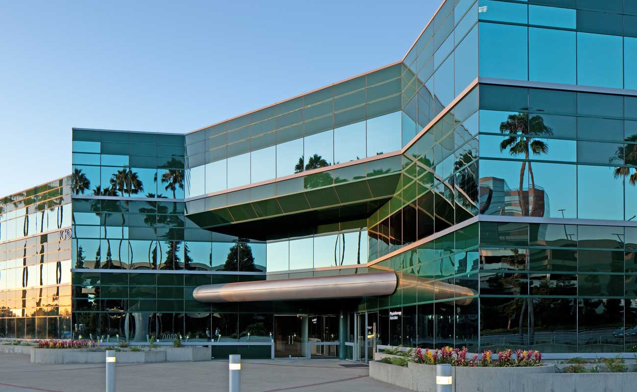 The exterior of Genesee Executive Plaza in UTC, home to Scripps Clinic La Jolla doctors who specialize in obstetrics and gynecology.
