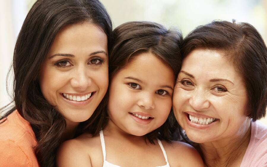 Three generations of Hispanic women pictured in article about Hispanic women and heart disease.