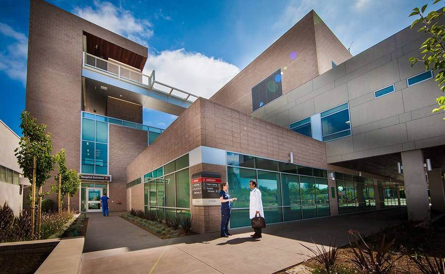 The exterior of the The Leichtag Foundation Critical Care Pavilion at Scripps Memorial Hospital Encinitas.