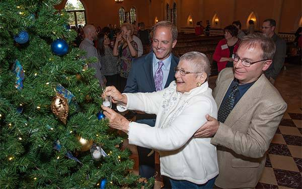 2015 Scripps Light up a Life, Dr. Tim Corbin, Mrs. Francis and son Mark Francis, Christmas Tree