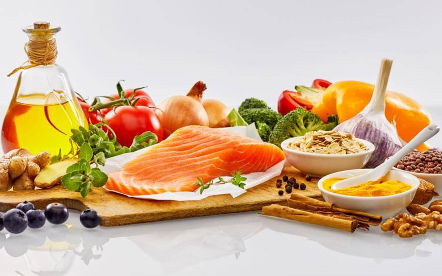 Mediterranean diet foods that promote healing and anti-inflammation.