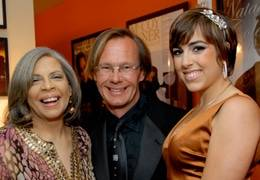 Grammy Award-Winning artist Patti Austin (left) celebrates Scripps Mercy Hospital with event chairs Brittany Jones and JD Bols.