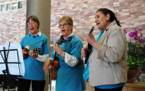 Anastasia Custis Berkheimer, of La Mesa, celebrated her final day of treatment with a ukulele concert at the Scripps Proton Therapy center.