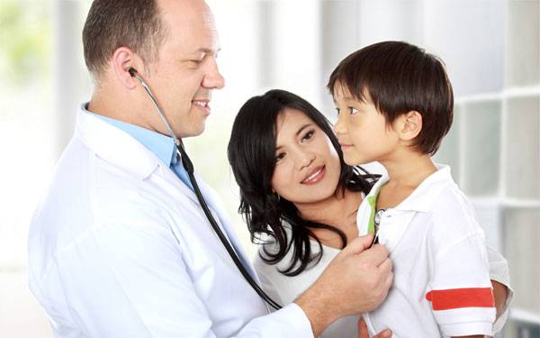 Suggestions to help kids to be at ease with their doctor visit.