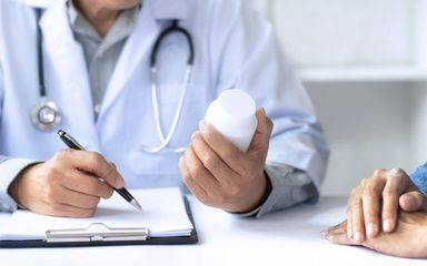 A Scripps allergy expert discusses research that shows that most people who say they are allergic to penicillin are not. Photo shows doctor prescribing penicillin.