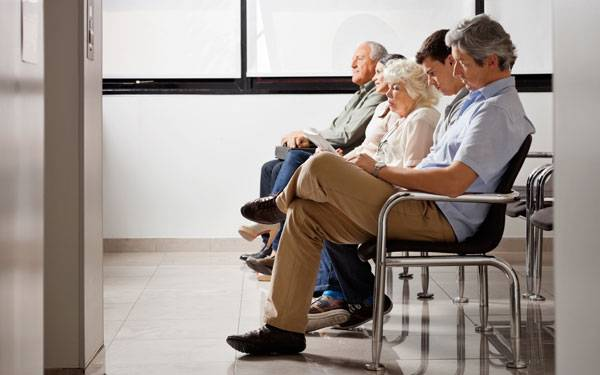 News Avoid Getting Sick in Waiting Room 600x375