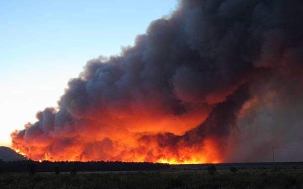 News 2014 San Diego Wildfires Plume 600x375