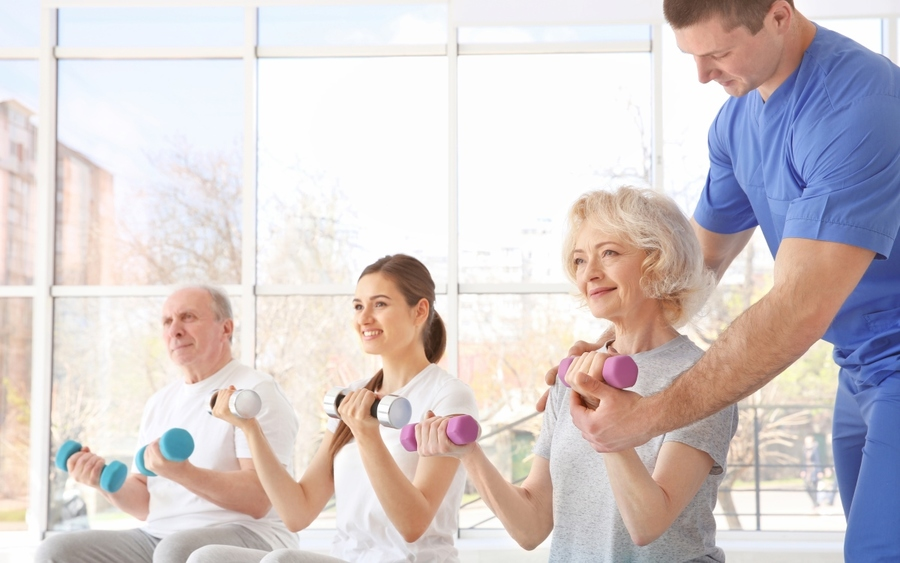 Baby boomers at risk of arthritis doing light exercises.